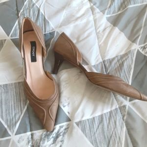 DKNY short brown buissness casual pointed heels